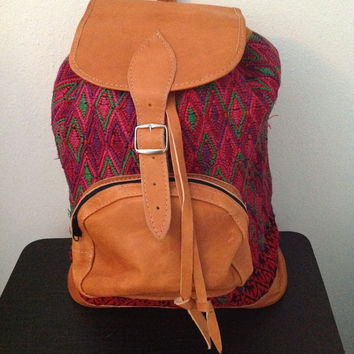 TUANIS - The Day Bag