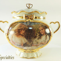 Best Friends Memories Gold Gilt Porcelain Music Box  from DreamLand Specialties