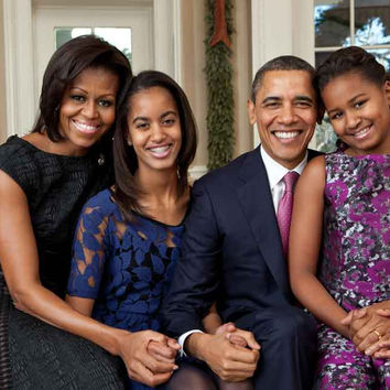 The Obamas First Family Portrait Poster 11x17