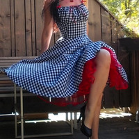 Pinup dress 'Lollipop dress in black and white gingham' full circle skirt gathered bust rockabilly dress, gingham dress 50s, very rockabilly