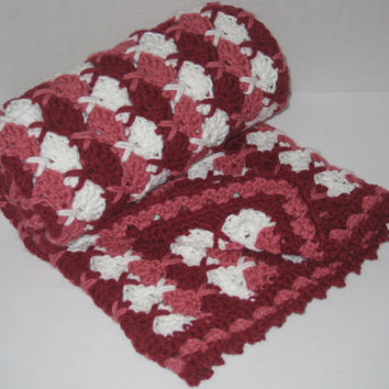 Baby blanket/Lapghan, soft, warm, cuddly, crocheted hugs 'n kisses pattern, car seat, travel, stroller
