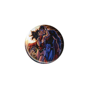 DC Comics Superman And Wonder Woman Kiss Pin