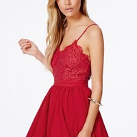 Missguided - Shiraz Strappy Lace Detail Puffball Mini Dress In Red