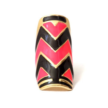 Neon Chevron Cocktail Ring Size 6 Pink Black Tribal RB37 Zig Zag Striped Plate Armor Fashion Jewelry