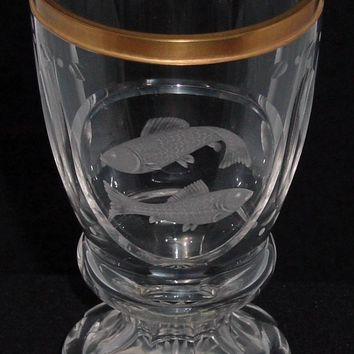 629096 Crystal W/Engraved Panel Of Fish, Long Oval Cuts Around Top,