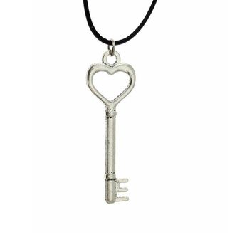 Fashion Hand Made Silver Key Pendant 17 Necklace