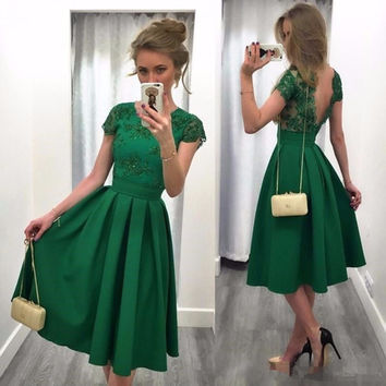 Sexy Green Satin Cocktail Dresses 2017 Appliques Sequined Pleat Arabic robe de cocktail Summer Girl Party Dresses