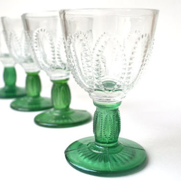 Vintage Emerald Green Stem Cordial Glasses Pressed Glass Avon Christmas Set of Four