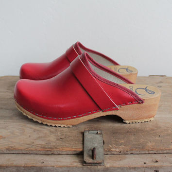 Vintage 90s Red Vegan Classic Swedish Clogs | womens 7