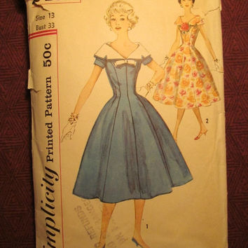 SALE Complete 1950's Simplicity Sewing Pattern, 2496! Size 13 Bust 33 Medium/Small/Women's/Misses/Full Flared Dress/Detachable collared Dres