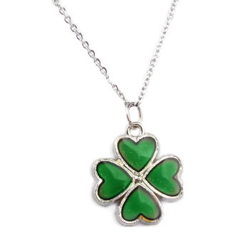 Mood Color Change Four Leaf Clover Pendant Necklace