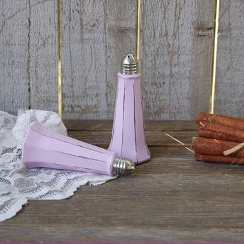 Salt and Pepper, Shaker Set, Lavender, Purple, Eiffel Tower, Tower Shaker, Shabby Chic, Glass, Wedding, Hand Painted