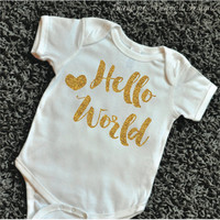 Newborn Bodysuit Newborn Outfit Hello World Gold Glitter Shirt Baby Shower Gift Coming Home Outfit Baby Girl Clothes 081