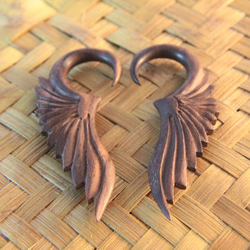 "Pair of 6g Wings Wooden Ear Gauges, Tribal Angel Wings Wood Earring 5/32"" 4mm 6ga, 6g Ear Stretcher"