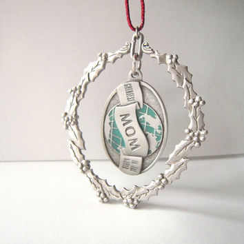 SALE! Pewter MOM ornament, detachable mom fob, made in N. America, engraved Greatest mom in the world, fob or door hanger, pewter ornament.