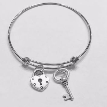Bangle Charm Bracelet Heart Lock And Key Mother's Gift Wife Girlfriend Daughter