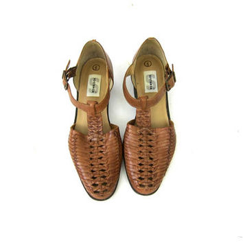 Vintage Brown Leather Sandals 90s Woven Sandals Cut Out Preppy Sandals Buckled Closed Toe Braided Leather Shoes Womens Size 6