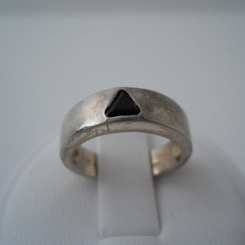Sterling Silver 925 Onyx Triangle Ring Size 4.5 Modernist Geometric Marked 925