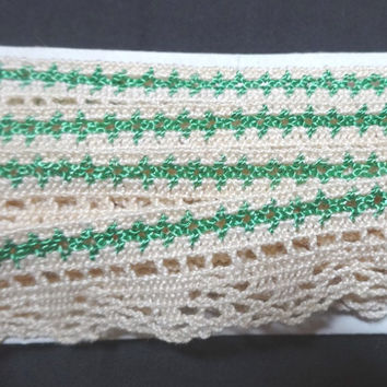 3 & 1/8 Yards of Vintage 1960s Machine Braided Lace in Green and Ivory, 7/8 Inches Wide, Vintage Sewing Notion Trim, Home Sewing Notions