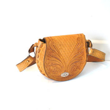BOHO leather saddle bag vintage 1970s 70s TOOLED caramel leather BOHEMIAN hippie retro purse