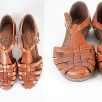 70s Brown Leather Sandals | Leather Flats 70s Shoes 70s Sandals Boho Chic Hippie Shoes Leather Shoes Cobbies Huarache Sandals 60s Sandals