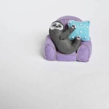 Soft felt Sloth,Plushie Stuffed Toy, pretty miniature sculpture, felt animal,Felt Miniature furniture,Stuffed violet chair,Sewing grey Sloth