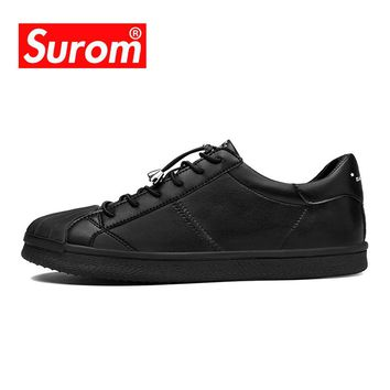 SUROM 2018 Spring Autumn New Skateboarding Shoes Men Leather Flat Heel Sneakers Breathable Lace Up Classics White Shoes For Men