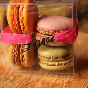 10 Chocolate Boxes -- Favor Box -- Clear macaroon box