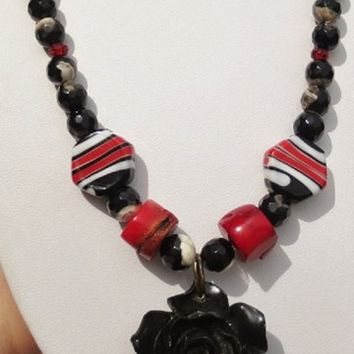 "20"" Red White Black Gemstone Lampwork Rose Pendant Necklace"