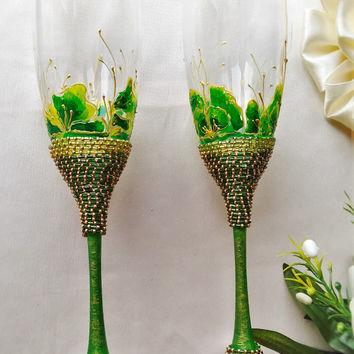 glasses wedding green gold wedding.champagne flutes gold flutes green glasses.Set of 2 wedding gift glasses wedding  glasses personalized