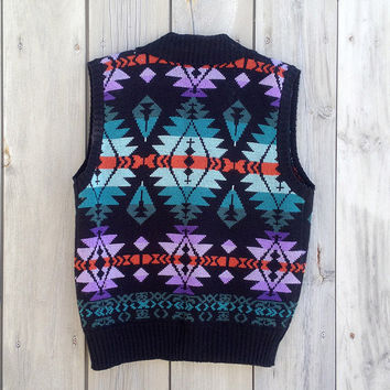 Vintage vest | Aztec tribal print knit sweater vest