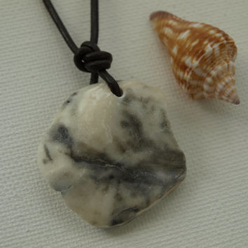 Shell and Leather Necklace, Men's Leather Necklace, Beach Necklace, Skater Necklace, Leather Adjustable Necklace, Natural Shell Necklace