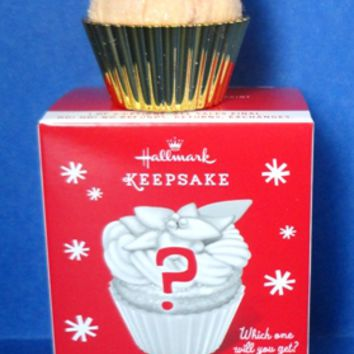 2014 Sweet Surprise Hallmark Gold Cupcake Ornament