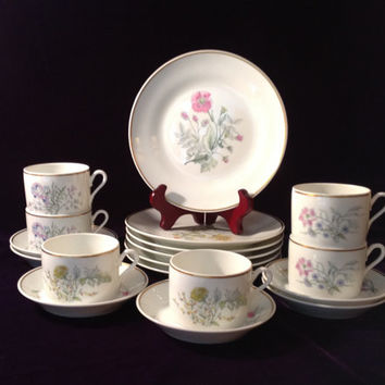 Vintage Richard Ginori Primavera set of 2 tea cups, saucers & dessert plates - Elegant Birthday/Housewarming/Shower/Engagement/Wedding Gift