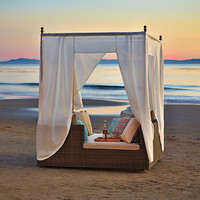 Hyde Park Daybed with Canopy