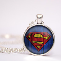superman super hero pendent necklace