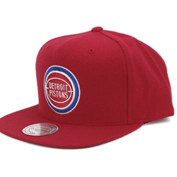Mitchell & Ness Detroit Pistons Wool Solid Snapback in Red