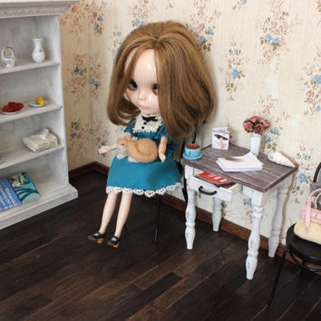1/6 scale Miniature Furniture Shabby chic Wood End Table with drawer for playscale Fashion dolls (Blythe, Barbie, Pullip, BJD, Momoko).