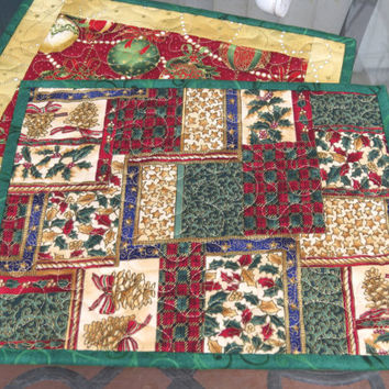 Quilted Holiday Mug Rug /Snack Mat Christmas Ornaments 624
