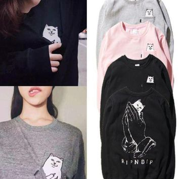 PEAPJ1A Male and female couple pocket middle finger cheap cat round neck hedging sweater