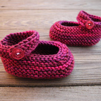 Knitted Baby Mary Janes - Baby Booties - Baby Girl Clothes - Wool - Baby Shower Gift - Valentine's Day