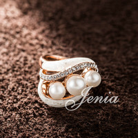 Three Pearl Ring Rose Gold Plated Crystal Sea Shell Ring FREE SHIPPING (Jenia XR205)