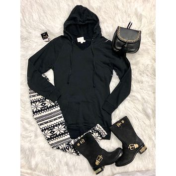 Long Hooded Sweatshirt: Black