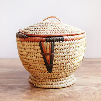 Vintage Handwoven Basket With Lid / Primitive Tribal Look / Cottage Chic Craft & Sewing Storage