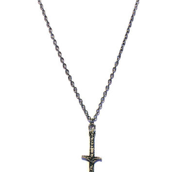 "Bilbo Baggins ""Sting"" Sword Necklace - Hobbit / Lord of the Rings Movie Inspired - Memorabilia Collector's Fan Novelty Fashion Wear Jewelry"