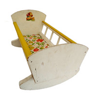 VINTAGE 1950s Rocking Cradle Bassinet Decal Baby Doll Bed with Room for Friends!
