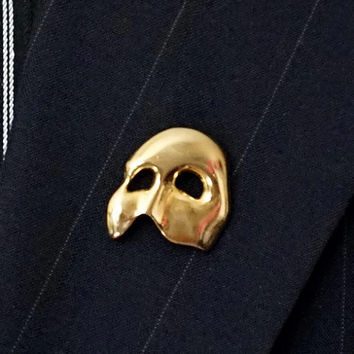 Vintage Phantom of the Opera Brooch,Face Mask Pin Gold Tone Brooch,Theatre Mask Pin, Novelty Lapel Pin,Signed TM, Drama Pin,Half Mask Brooch