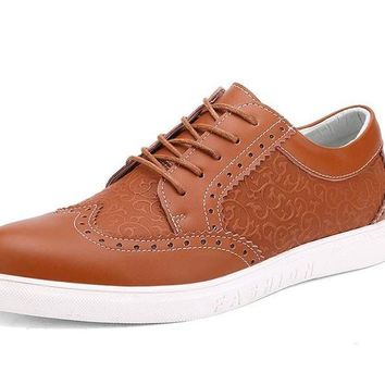 Classic Genuine Leather Fashion Men Shoes Brogue Male Footwear men casual shoes Luxury Designer Breathable