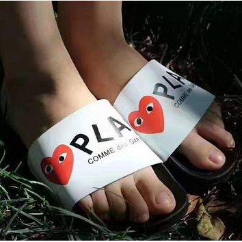 PLAY COMME des GARCONS: Comfortable Loose Slippers(3 color)-1