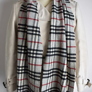 VTG BURBERRY LONDON 100% LAMBSWOOL GREY NOVA CHECK SCARF MADE IN ENGLAND UNISEX